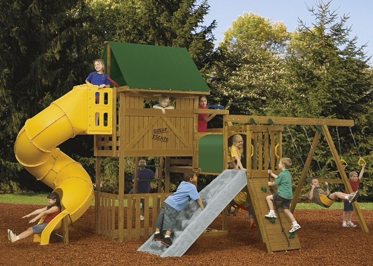 Great Escape Playset with children playing